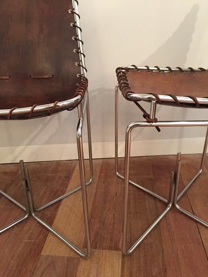 paire de chaises annes 70 en cuir et acier - Chaise Annee 70