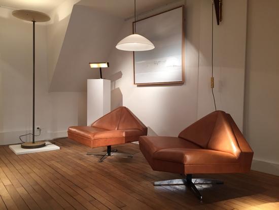 paire_fauteuils_danois_1960_galerie_meublesetlumieres_paris_1.jpg