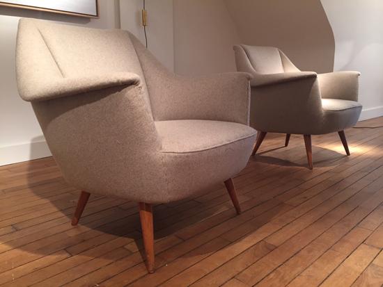 paire_fauteuils_italiens_beiges_1950_galeriemeublesetlumieres_paris_2.jpg
