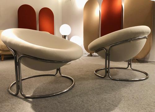 1_paire_de_fauteuils_de_Luigi_colani.jpg