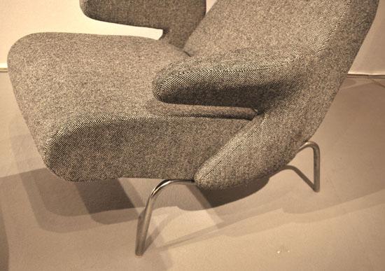 2_fauteuil_et_repose_pied_erberto_carboni_meubles_et_lumieres.jpg
