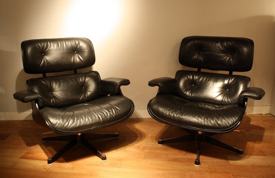 2_paire_de_fauteuils_Eames_galerie_meubles_et_lumieres.jpg