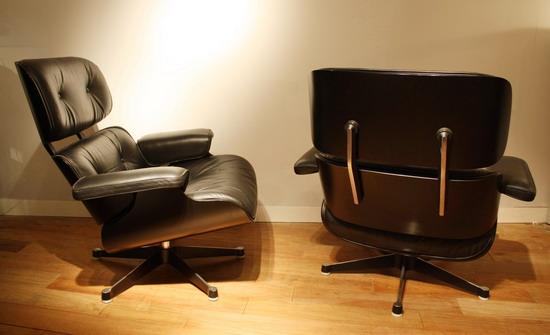 3_paire_de_fauteuils_Eames_galerie_meubles_et_lumieres.jpg