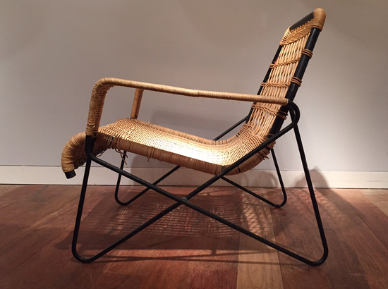 guys-raoul-fauteuil-rotin-airborne-1950-galeriemeublesetlumieres-paris-1.jpg