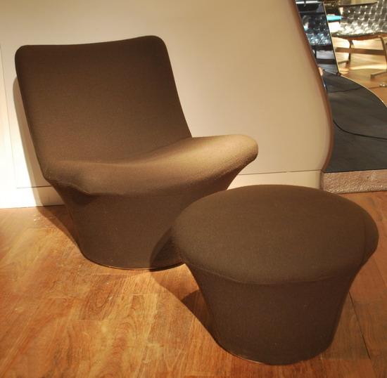 1_fauteuil_geoffrey_harcourt_et_ottoman_pierre_paulin_meubles_et_lumieres.jpg