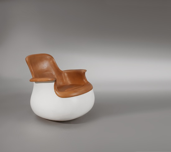 1_fauteuil_culbuto_held_design_cuir_meublesetlumieres_pad.jpg
