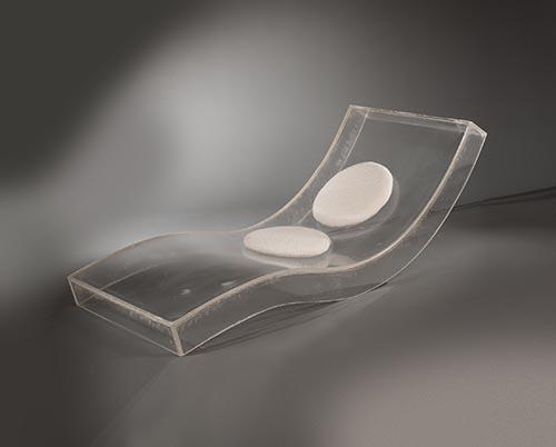 galerie_meubles_et_lumieres__lionel_Morgaine__lucite_long_chair_chaise_1.jpg