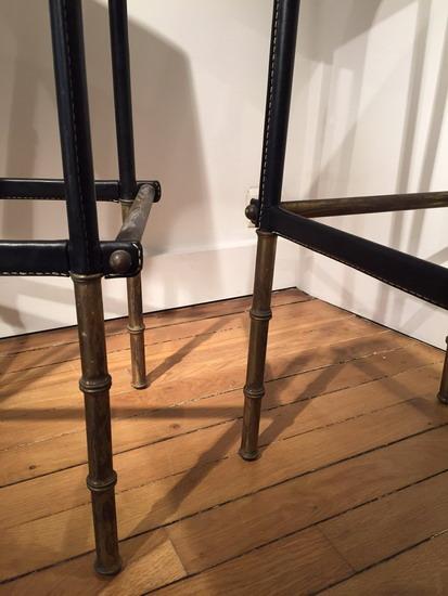 4_4_tabourets_Jacques_Adnet_cuir_galerie_meubles_et_lumieres.jpg