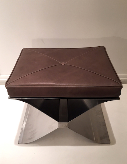 3_tabouret_francois_monnet_inox_cuir_Edition_Kappa_1970_design_meubles_et_lumieres.jpg