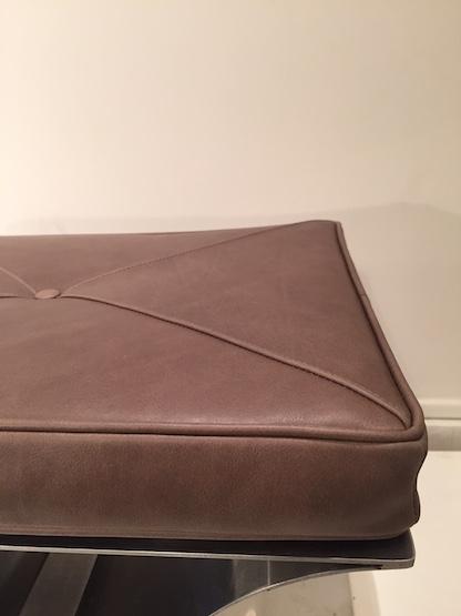 4_tabouret_francois_monnet_inox_cuir_Edition_Kappa_1970_design_meubles_et_lumieres.JPG