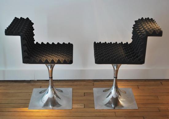 1_roger_tallon_chaises_dossiers_galerie_meubles_et_lumieres.jpg