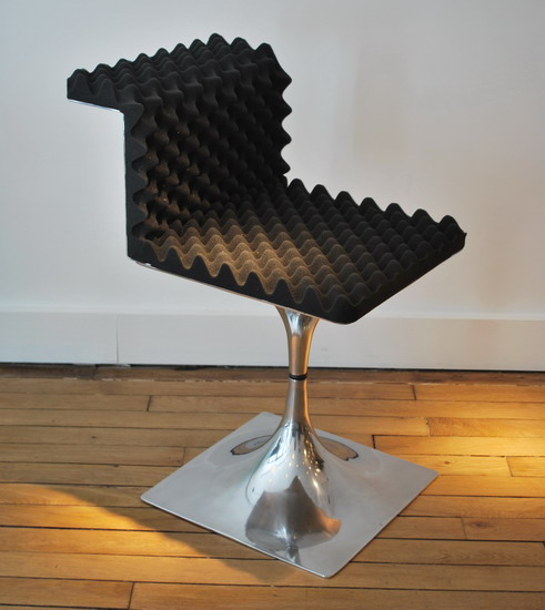 3_roger_tallon_chaises_dossiers_galerie_meubles_et_lumieres.jpg