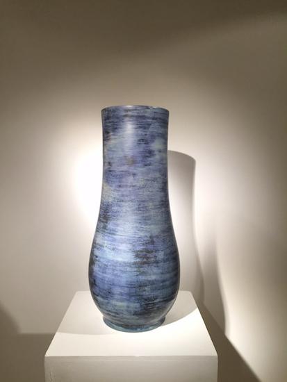 1_vase_blin_bleu_ceramique_design_meublesetlumieres.jpg