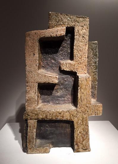 3_sculpture_en_ceramique_Joulia_galerie_meubles_et_lumieres.jpg
