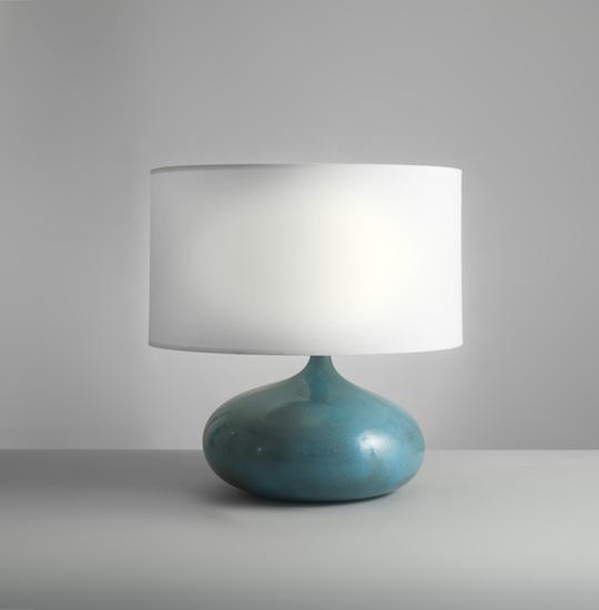 3_lampe_ceramique_bleu_ruelland_design_meublesetlumieres_pad.jpg